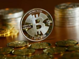Рекорд за рекордом: биткоин преодолел рубеж в $34 тысячи